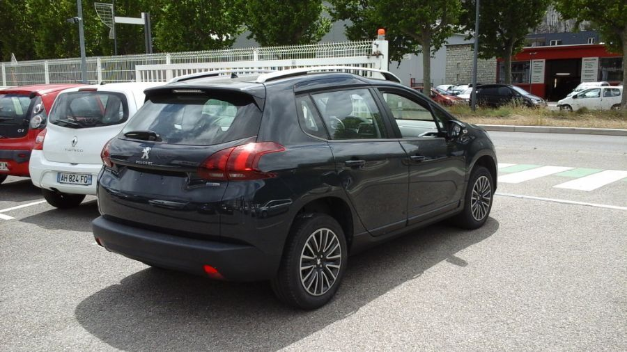 PEUGEOT 2008 - AUTRE VERSION ESSENCE BVA