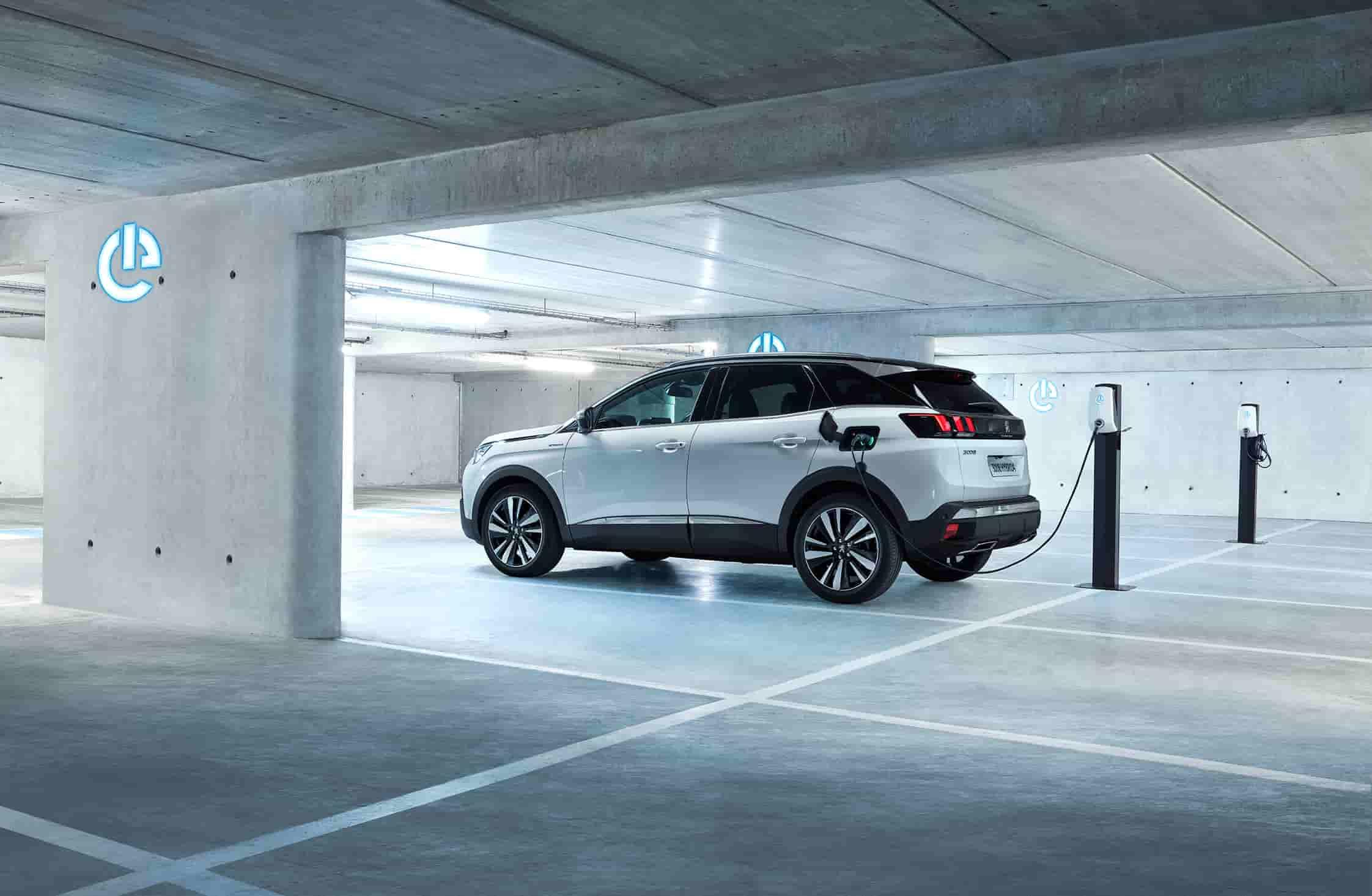 Peugeot3008-recharge.jpeg