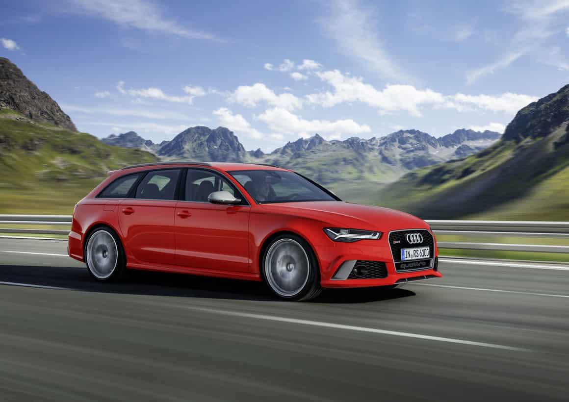 Audi rs6 avant de couleur rouge