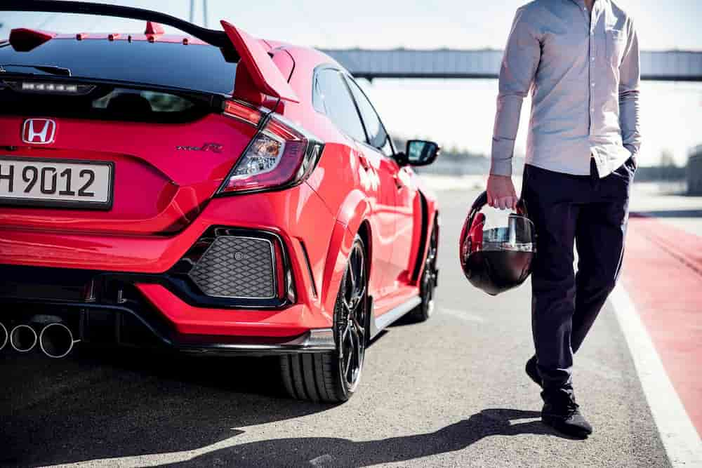 Honda Civic type R sur un circuit