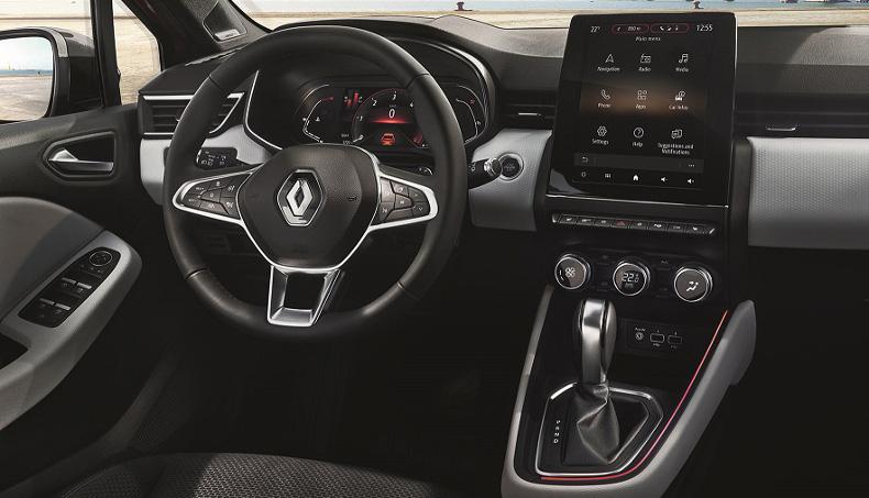 Photo rapproché de l'écran Multimédia et du volant de la nouvelle Renault Clio 5